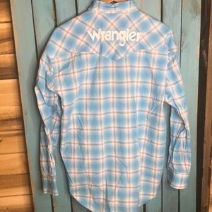 Wrangler rodeo embroidered spell out shirt size L